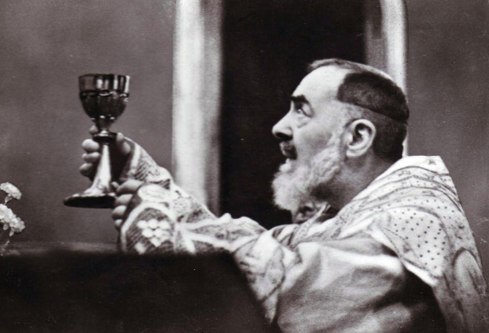 Capa da notícia: 5 Curiosidades sobre a vida de São Padre Pio